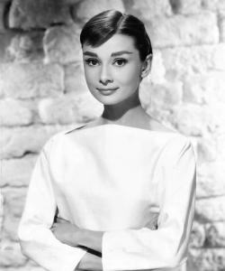 Audrey_Hepburn_1956