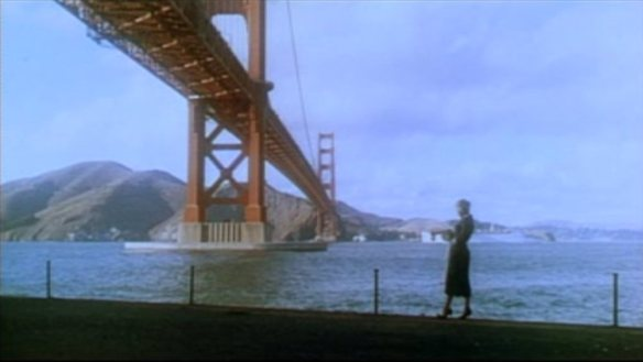 Vertigo_1958_trailer_Kim_Novak_at_Golden_Gate_Bridge_Fort_Point
