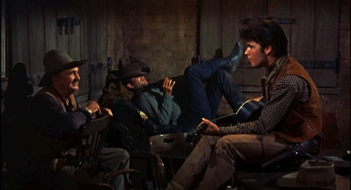 Howard_Hawks'Rio_Bravo_trailer_(31).jpg