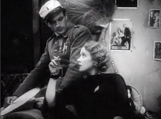 Gary_Cooper_and_Marlene_Dietrich_in_Morocco_trailer_2.jpg